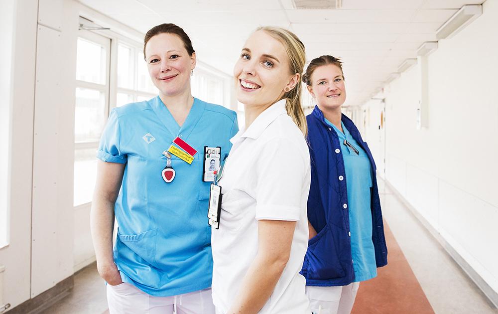 Linnéa Bergdahl, Frida Almlöf och Ulrika von Sivers på AVA på Växjö lasarett. Foto: Martina Wärenfeldt