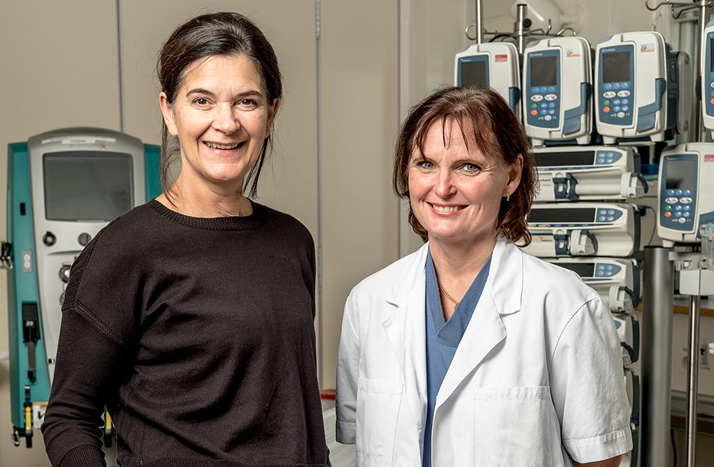 Dada Merdan, verksamhetschef och Anki Olsson, sjuksköterska på Thoraxcentrum. Foto: Magnus Lejhall