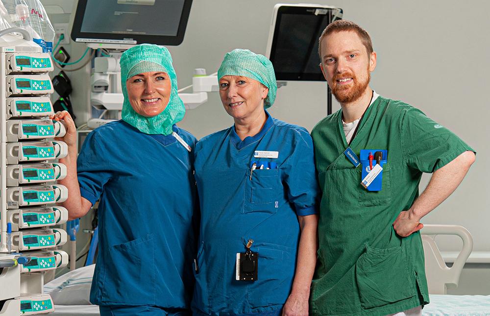 Hanna Persson, Tarja Hamari och Jimmy Jonsson, specialistsjuksköterskor på ANOPIVA i Norrköping. Foto: Martin Roth