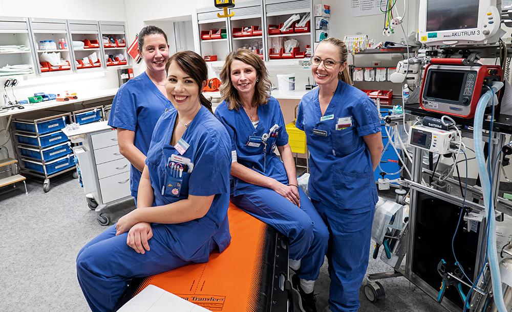 Anette Buhr, vårdenhetschef, Emelie Lundin, sjuksköterska, Helen Dalene, sjuksköterska och Sara Nyman, vårdenhetschef på akutmottagningen vid Norra Älvsborgs Länssjukhus. Foto: Sebastian Lamotte