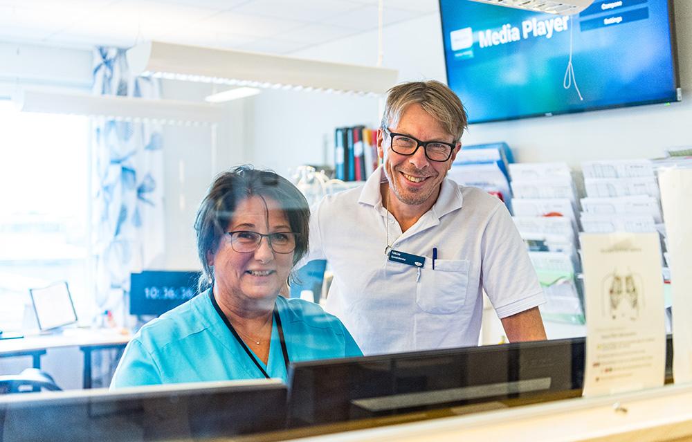 Inger Almroth, avdelningschef på avdelning 55 och Niklas Magnusson, avdelningschef på avdelning 47. Foto: Magnus Lejhall