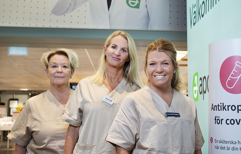 Nilla Edman, sjuksköterska, Charlotte Svensson, regionchef för Doktor24:s mottagningar och Linda Olsson, mottagningssjuksköterska hos Doktor24. Foto: Julia Sjöberg