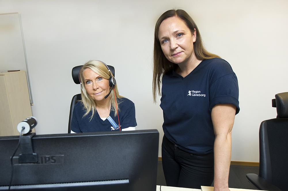 Elisabet Mickelsson, processledare och tidigare mottagningssjuksköterska och Ida Kedling, sjuksköterska och verksamhetsutvecklare av den digitala vården. Foto: Pernilla Wahlman