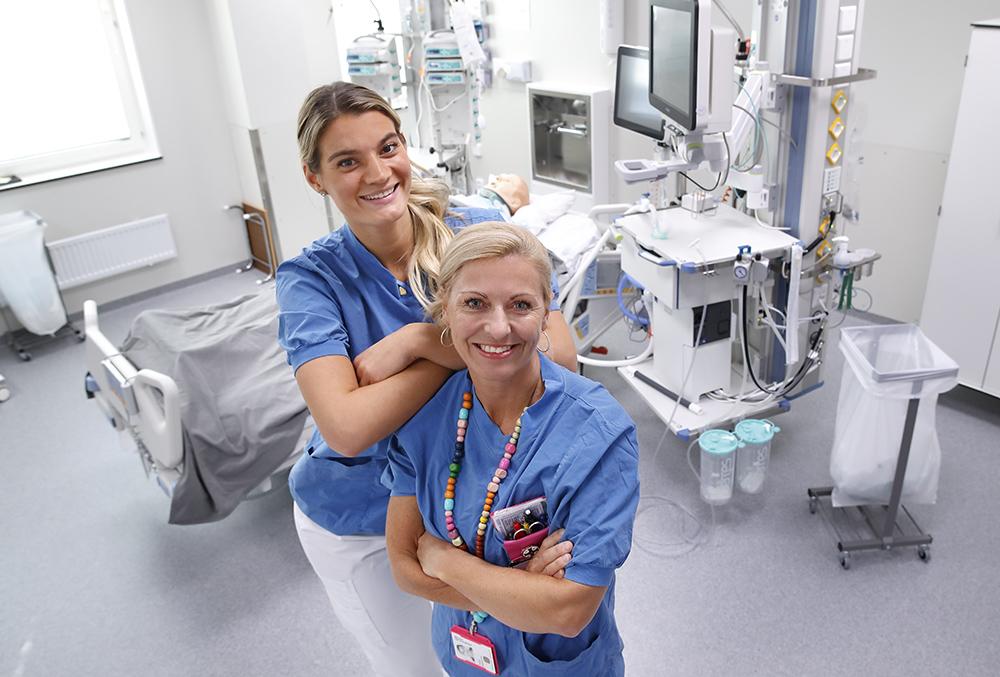Martina Vistby och Tina Ramström, IVA-sjuksköterskor på ANOPIVA vid Linköpings universitetssjukhus. Foto: Lasse Hejdenberg