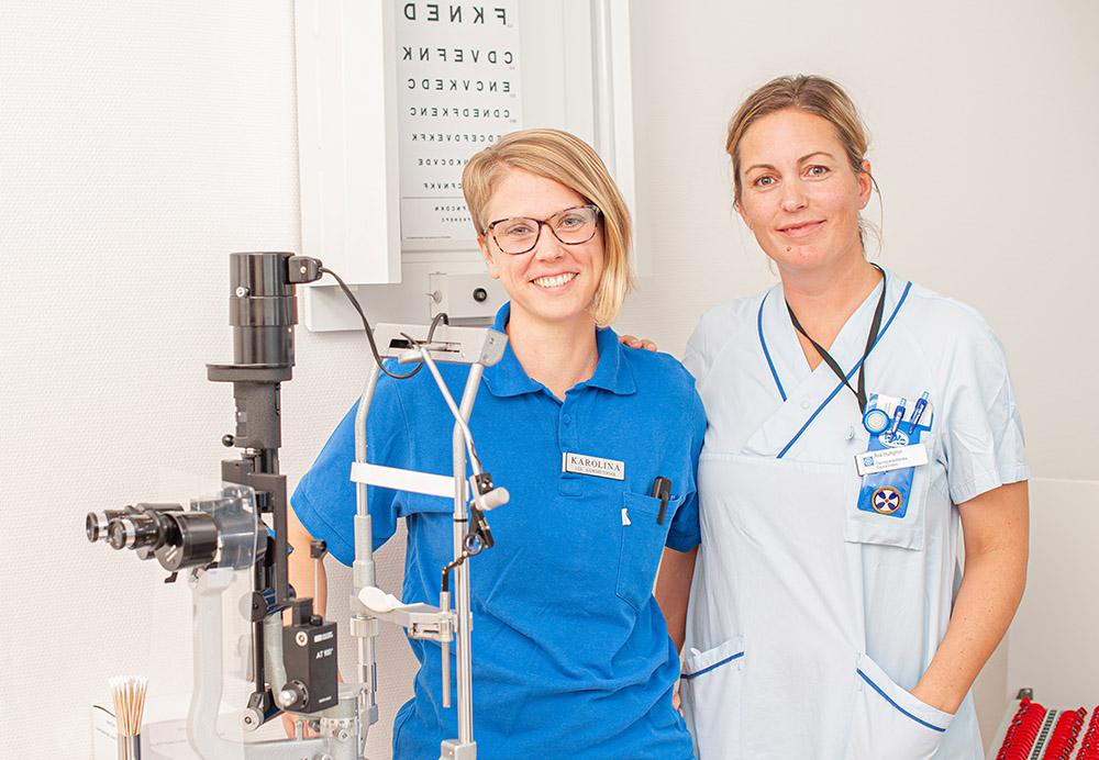 Karolina Bäck, sjuksköterska och Åsa Hultgren, ögonsjuksköterska vid Ögonkliniken Region Östergötland. Foto: Martin Roth