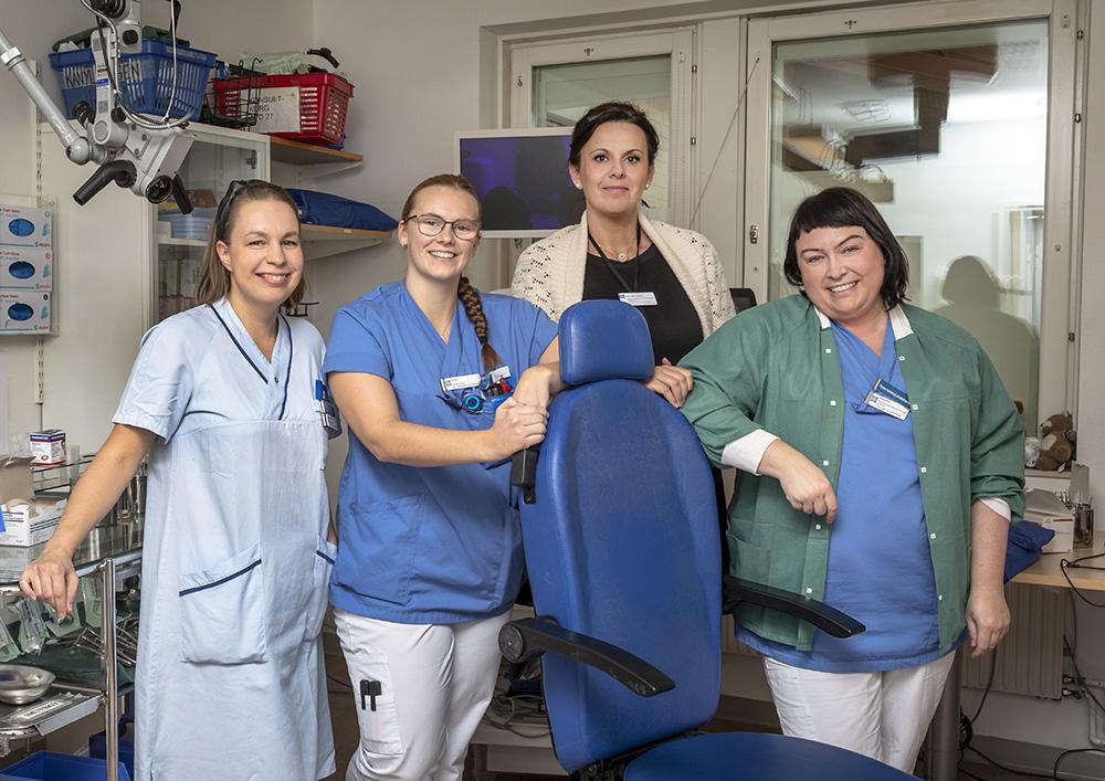 Sari Kääriä, Erika Johansson, Narcisa Kardic och Josefine Andersson på Öron-, näs- och halskliniken i Linköping. Foto: Patrik Ekenblom