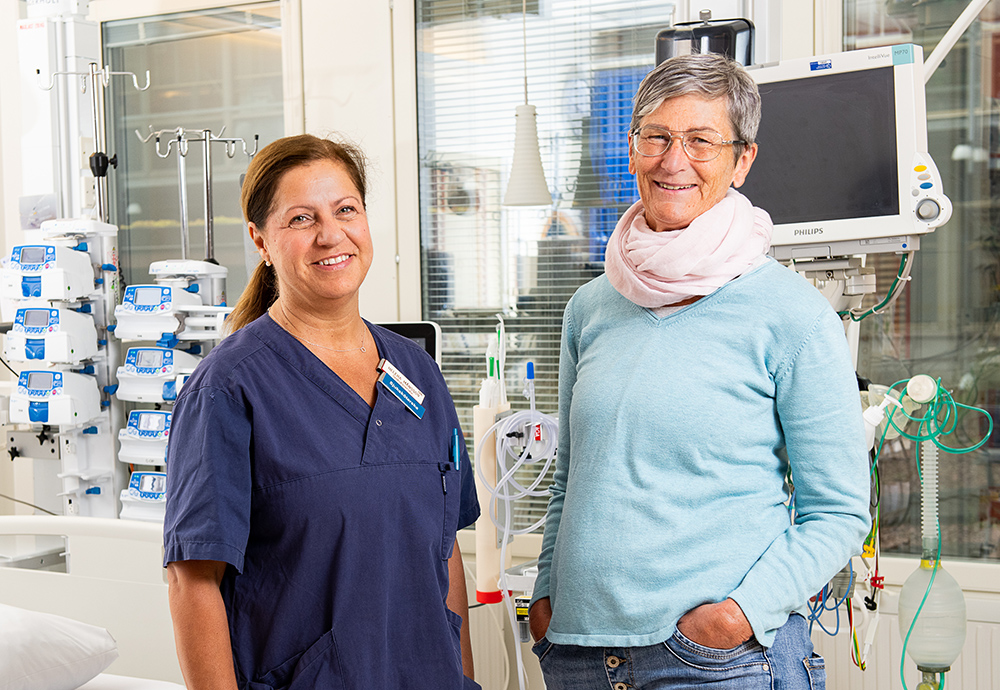 Carina Rönnerfjäll och Pernilla Johansson, sjuksköterskor på akuten i Östersund. Foto: Mikael Frisk