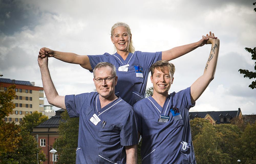Johan Åslinder, vårdenhetschef inom lungmedicin, Jessika Sörstad, tillförordnad vårdenhetschef på strokeenheten och Andreas Westin, sjuksköterska på en strokeavdelning på Södersjukhuset. Foto: Johan Marklund